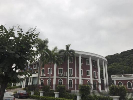 德朗睿思国际学校